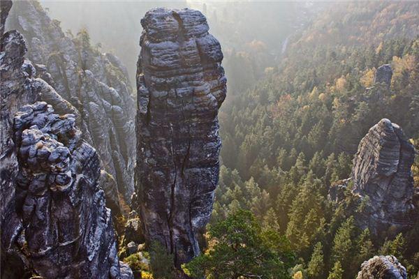 梦见岩石是什么意思